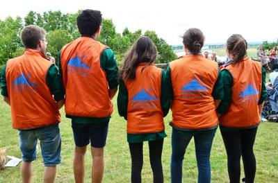 volontaires au parvis (2)